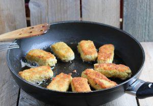frying fish fingers