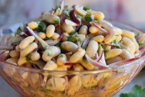 Piyaz – a Turkish white bean salad